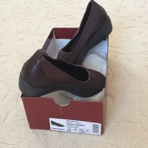 Women , brown, wedges, new, size 6,5, wide